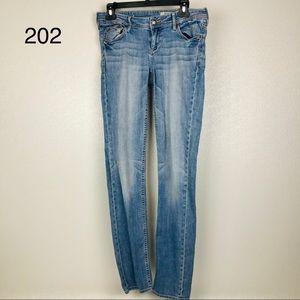 H&M S&Qin 27 X 32 Low Waist Slim Leg Jeans